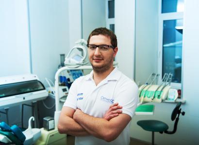 Ортогнатичний хірург А.В. Дубнов.