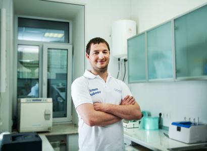 Доктор ортогнатический и челюстно-лицевой хирург Дубнов А.В.